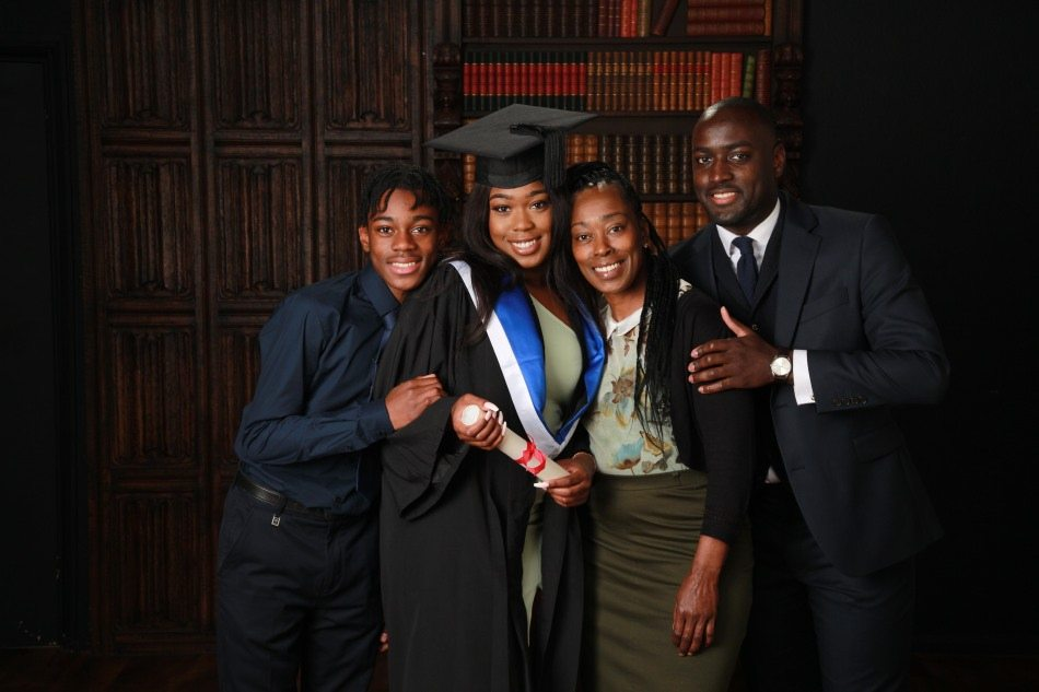 Graduation-Photography-by-Peter-Dyer-Photographs-020