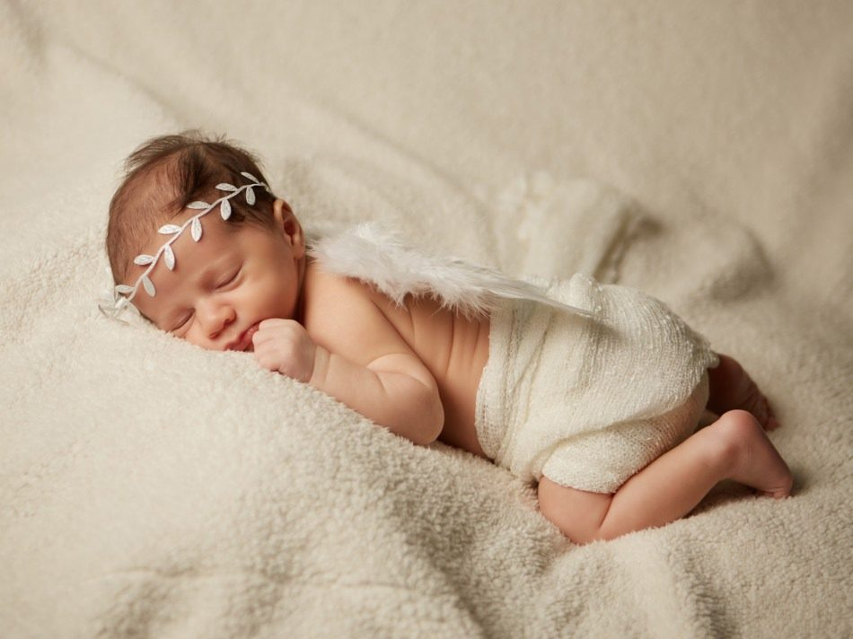 Newborn-Photography-by-Peter-Dyer-Photographs-040